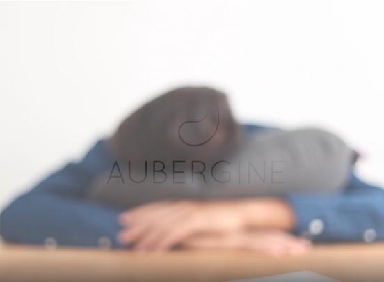 Aubergine Kussen - Opblaaskussen voor onderweg